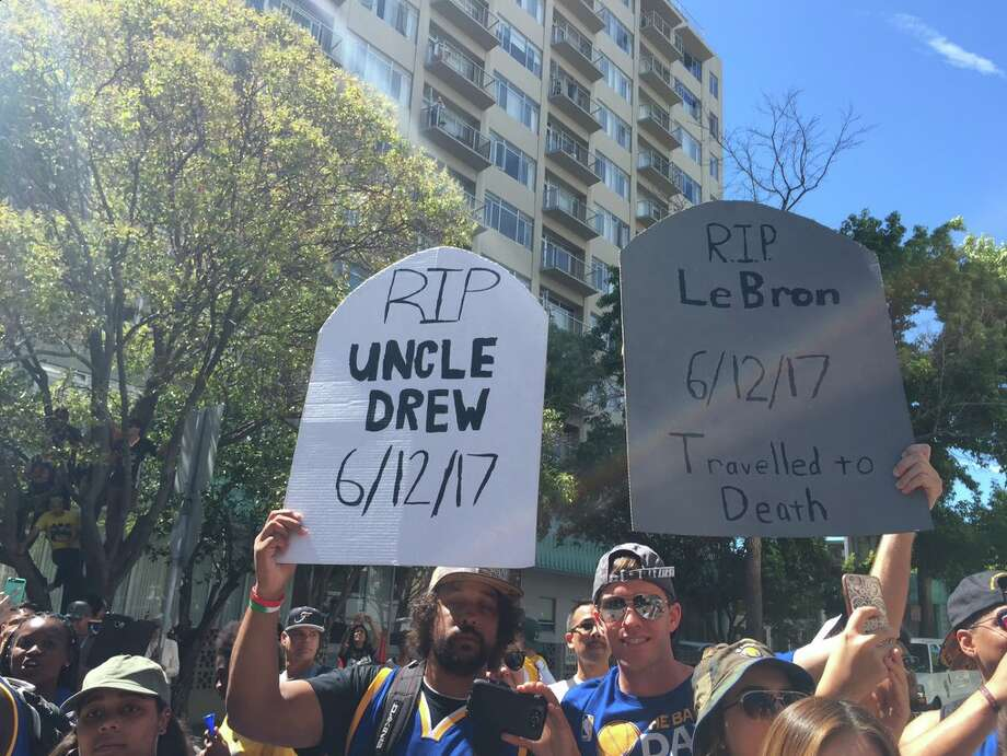 Warriors fans brought out their best signs for Thursday's parade.