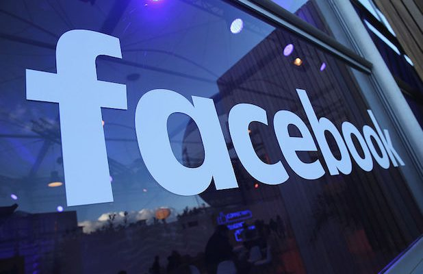 Facebook's '10 Year Challenge' reminds users about the potential perils of social media