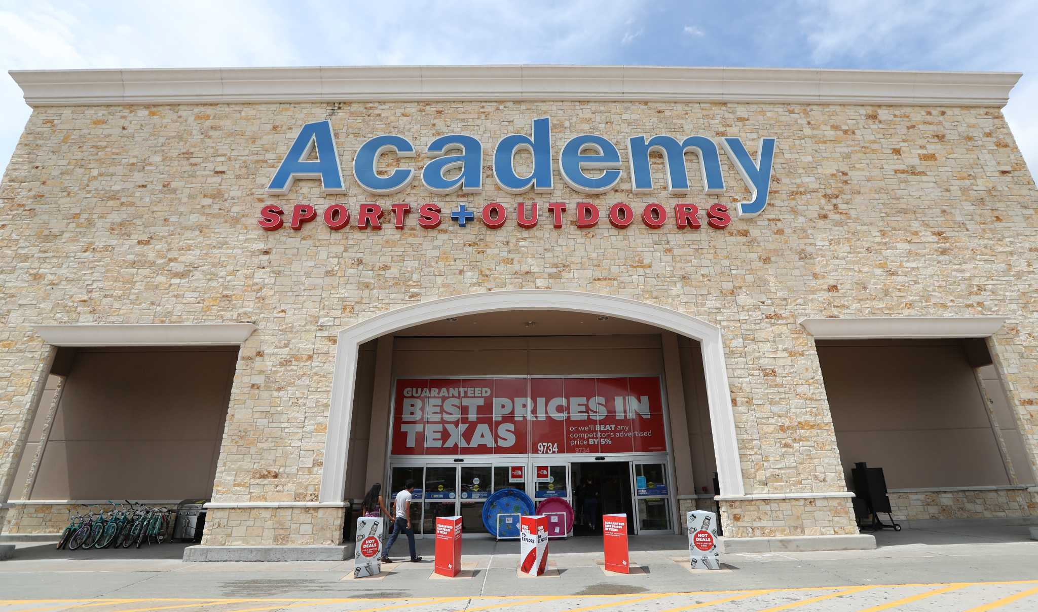 sports academy outdoors houston texas katy outdoor hill ceo sporting freeway goods employees hours retailer open stores chronicle lays gonzales