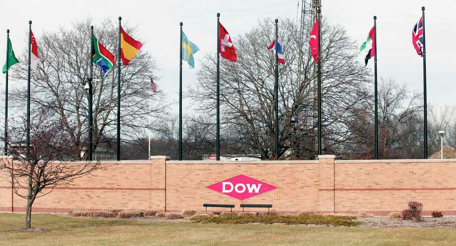 Dow locks out more than 200 workers in Deer Park - Houston