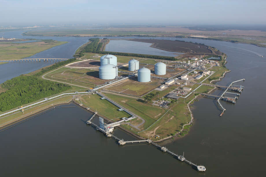 The Elba Island LNG Terminal near Savannah, Ga., adds to Kinder Morgan's long-term prospects. Photo: Courtesy Kinder Morgan