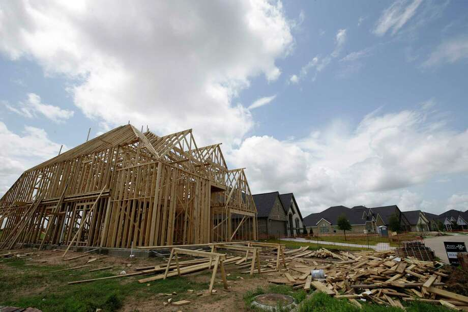 New home construction is shown at  Riverstone Sunday, June 4, 2017, in Missouri City. Photo: Melissa Phillip, Staff / © 2017 Houston Chronicle