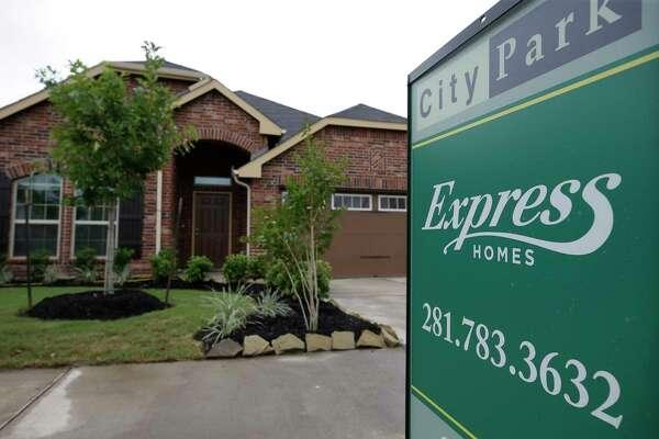 Express Homes by builder DR Horton are shown in City Park Thursday, June 1, 2017, in Houston. ( Melissa Phillip / Houston Chronicle )