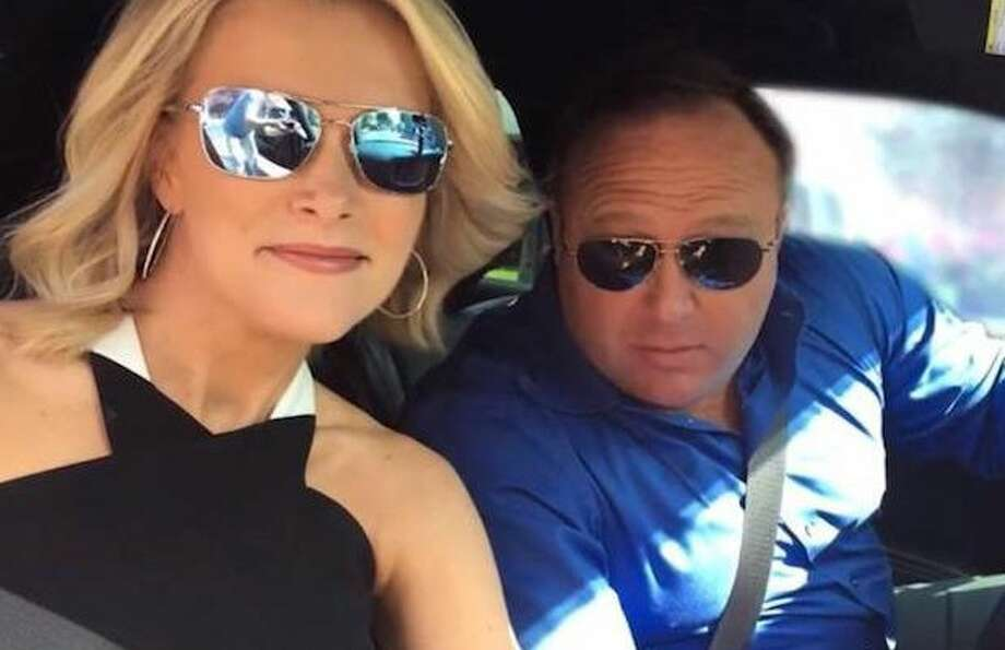 A photo of Megyn Kelly and Alex Jones smiling in a car was posted on Twitter on June 12, 2017.