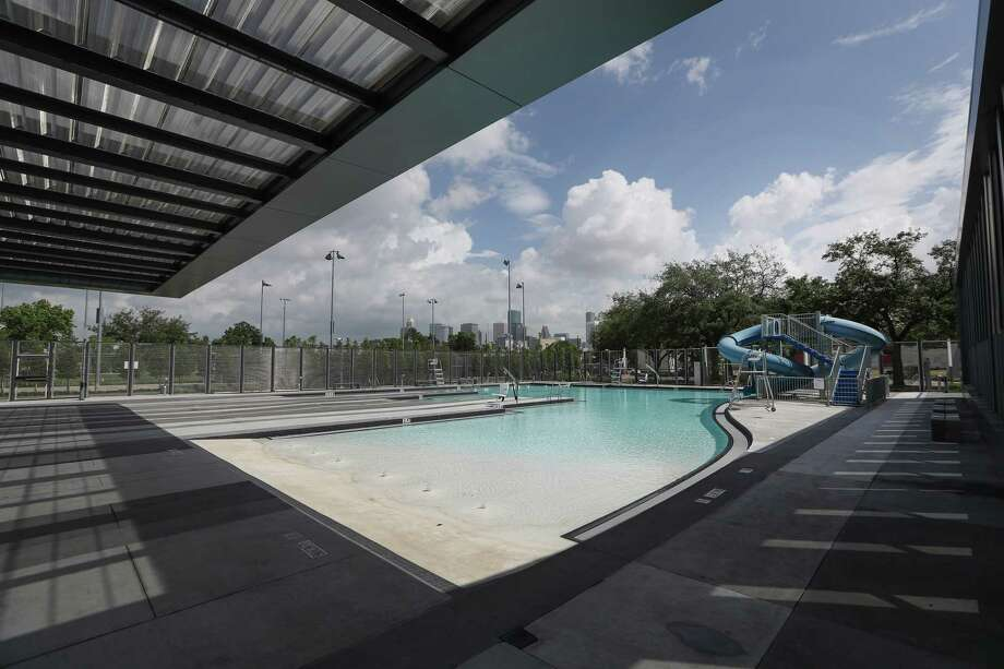 Emancipation Park swimming pool. Photo: Steve Gonzales, Staff / © 2017 Houston Chronicle