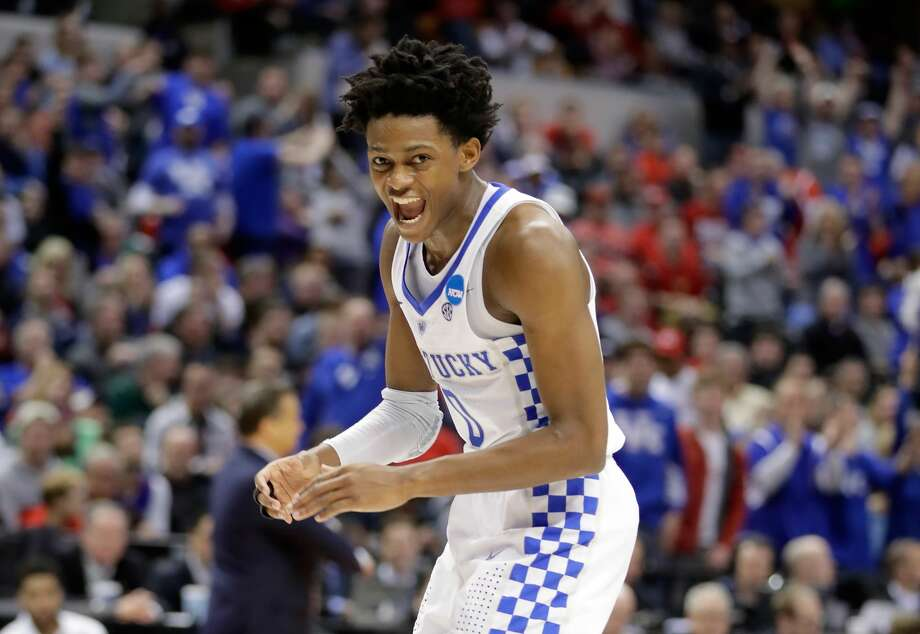 De'Aaron FoxHigh school: Cypress LakesCollege: KentuckyDraft: 1st round (No. 5 overall) by Kings in 2017 Photo: Andy Lyons/Getty Images