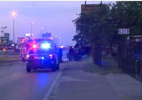 Fatal crash on I-45 North Freeway closes feeder - Houston Chronicle