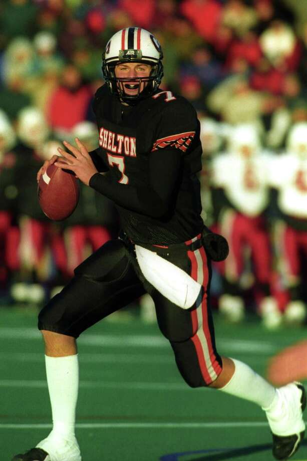 Shelton High School quarterback Dan Orlovsky looks to throw in the 2000 Class LL hampionship game against Greenwich. Shelton won the game 22-8. Photo: Hearst Connecticut Media File Photo / Connecticut Post File Photo