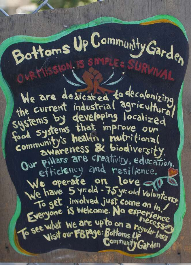 "The Bottoms Up Community Garden, located in the Lower Bottoms section of West Oakland, was featured in the PBS show ""Original Fare."" Photo: Drew Costley/The Chronicle"