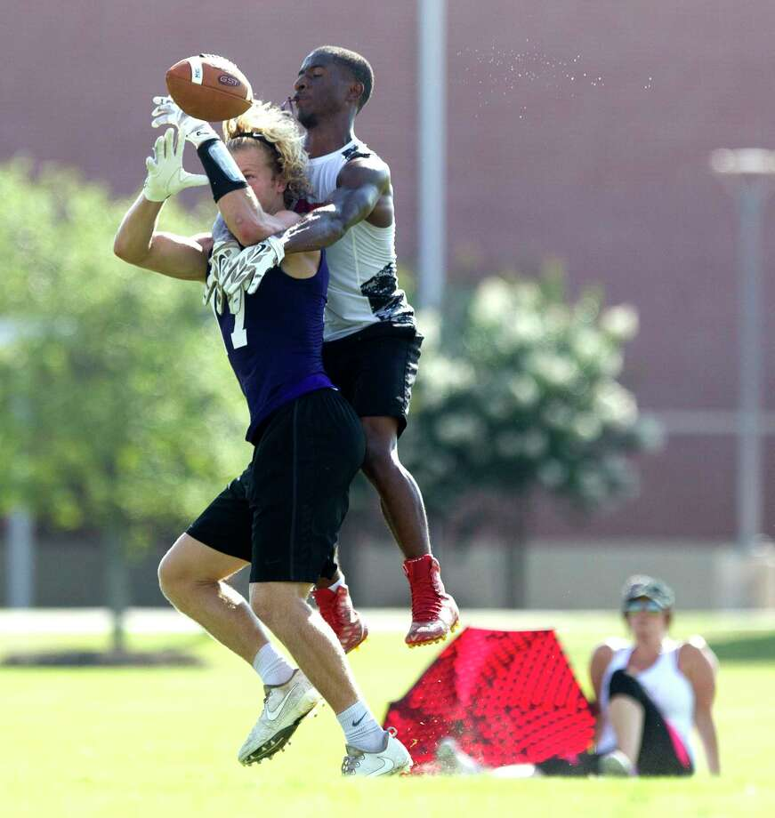 Oak Ridge will have one final chance Sunday to qualify for the annual 7-on-7 state tournament. Photo: Jason Fochtman, Staff Photographer / © 2017 Houston Chronicle