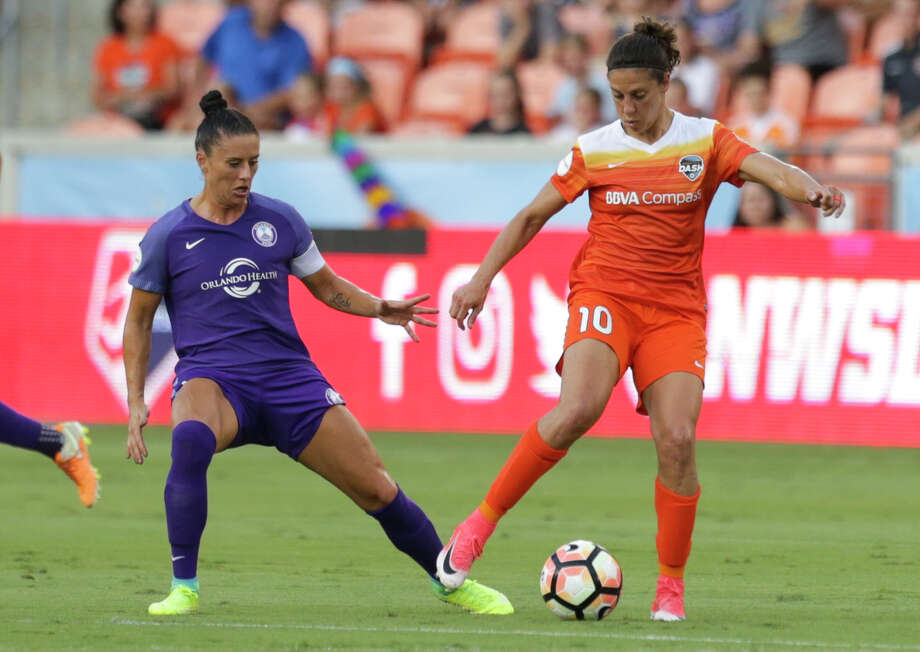 Carli Lloyd scored her first goal of the season Saturday as the Dash defeated the Orlando Pride, 2-0. Photo: Yi-Chin Lee/Houston Chronicle