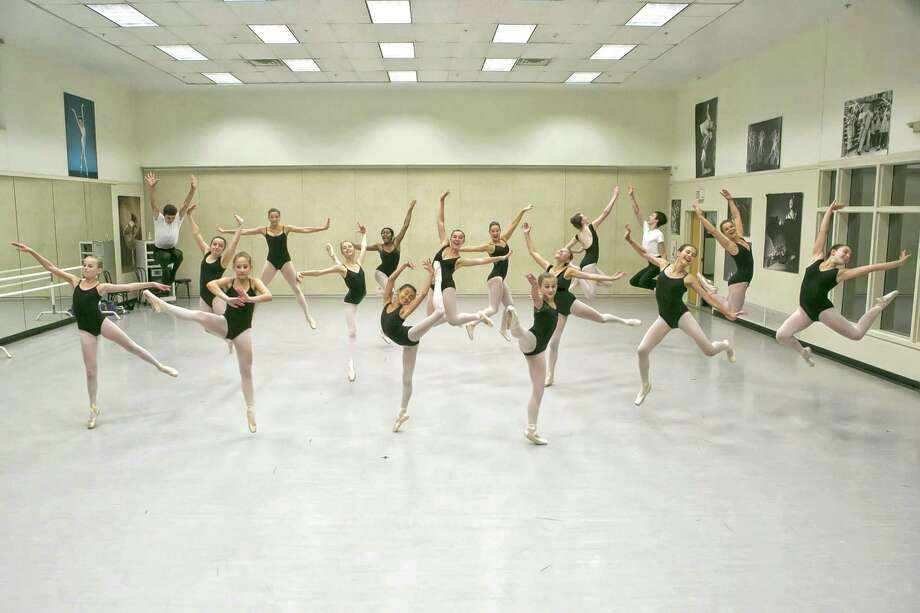 Dance classes will be held this summer at the nonprofit National Museum of Dance School of the Arts in Saratoga Springs. (Lisa Miller, Studio di Luce) Photo: Studio_di_Luce