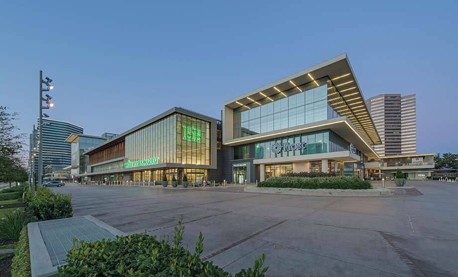 The Whole Foods at the futuristic development at Post Oak Blvd. and San Felipe. Photo: Shau Lin Hon / Richard Burger