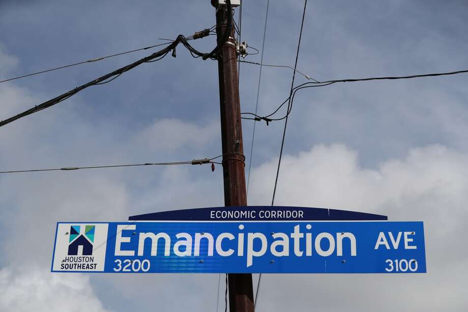 Emancipation Avenue ribbon-cutting. It was previously known as Dowling Street.