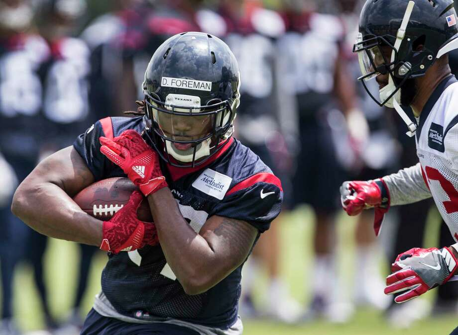 Houston Texans running back D'Onta Foreman (27) runs upfield after making a catch during OTAs at The Methodist Training Center on Wednesday, May 31, 2017, in Houston. ( Brett Coomer / Houston Chronicle ) Photo: Brett Coomer, Staff / © 2017 Houston Chronicle