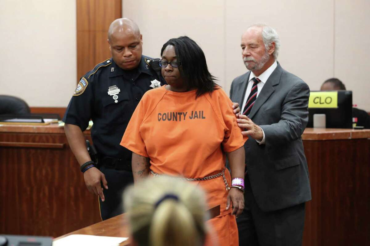 """Laquita Lewis, 34, was charged with capital murder in the death of Fredricka Allen appeared in court Tuesday, June 20, 2017. Lewis, is a mother accused of stabbing her 4-year-old daughter Sunday evening, told the child's father and aunt that she killed the girl, prosecutors said Monday. """"The defendant told the father that their daughter was no longer alive and was in Heaven,"""" prosecutors said during Lewis's arraignment. """"She told the father she stabbed the (victim) in the chest with a knife."""" ( Steve Gonzales/Chronicle )"""