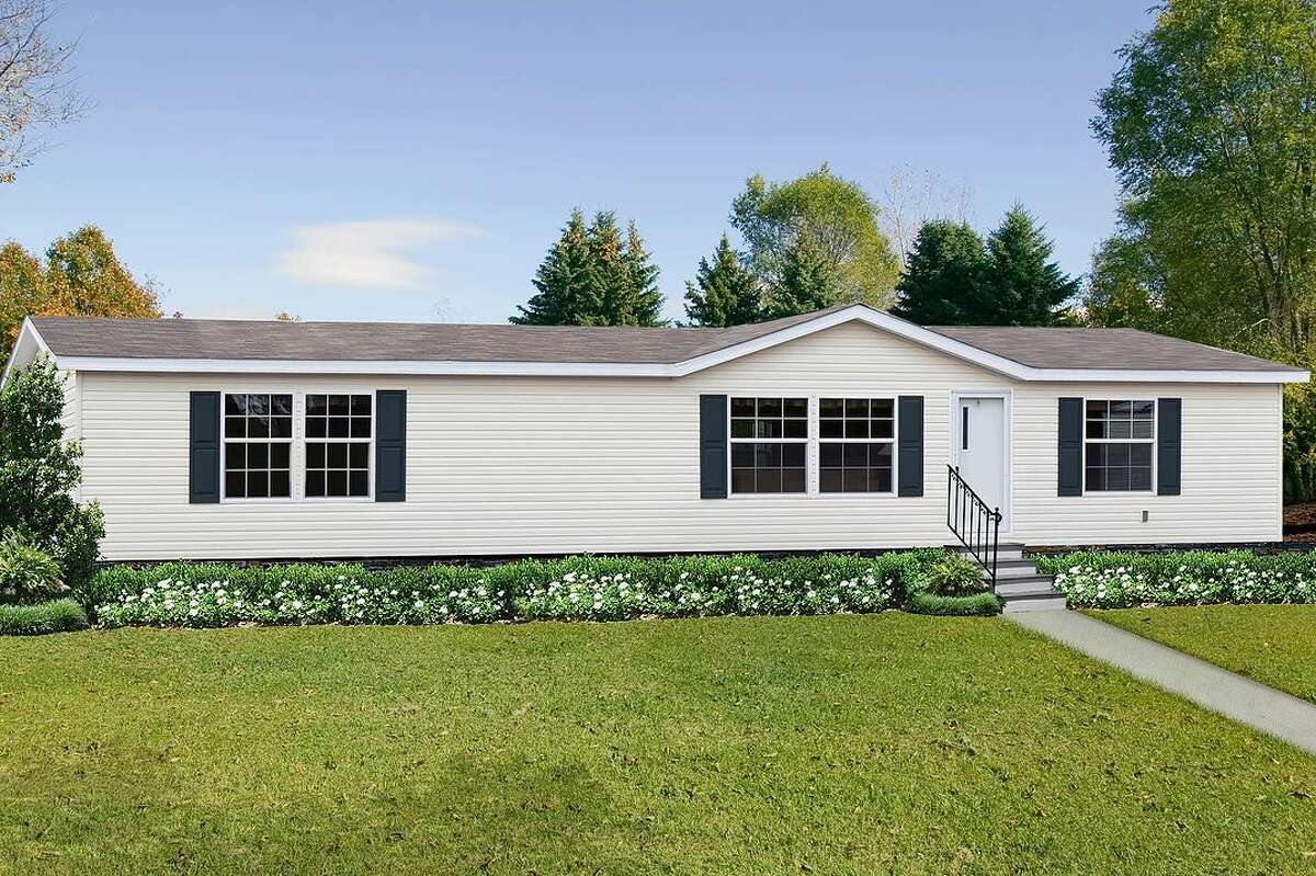 The Thrill:Starting at $39,000 1,475 sq. ft.Beds: 3Baths: 2