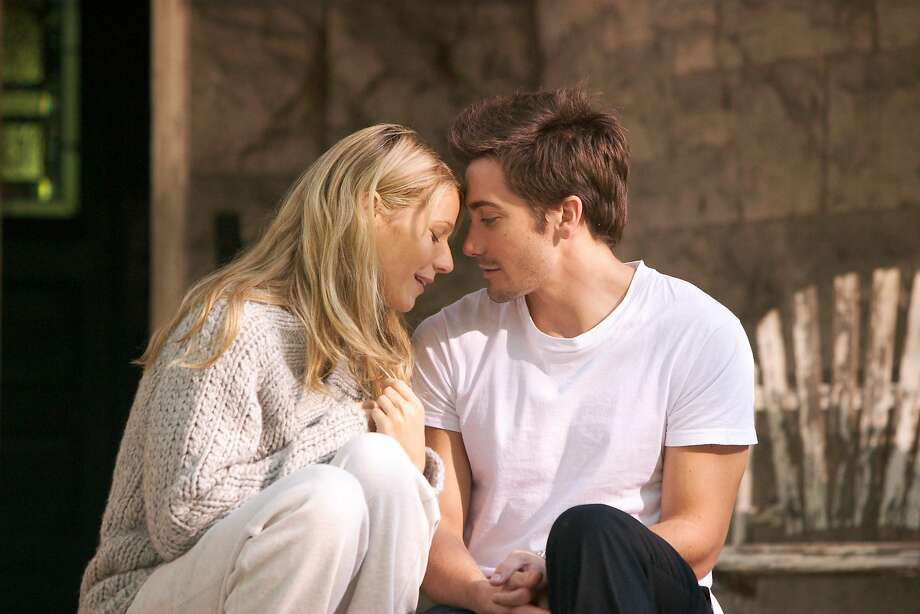"""Gwyneth Paltron and Jake Gyllenhaal in a scene from the film """"Proof."""" Photo: MIRAMAX"""