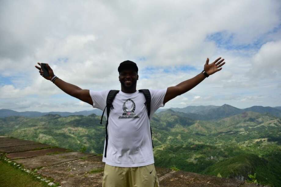 Seahawks defensive end Cliff Avril partnered with NFL players Michael Bennett, Marshawn Lynch, Gosder Cherlius, Stephen Tulloch on a recent trip to Haiti to fund and help construct new homes and schools in the community. Photo: CLIFF AVRIL/TWITTER