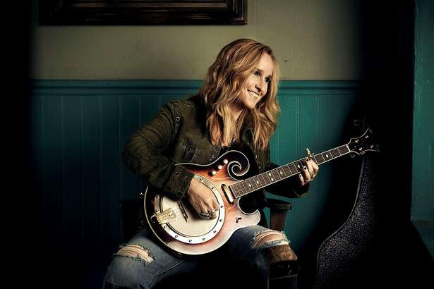 Melissa Etheridge is coming to Ridgefield for an intimate solo performance which she said is one of her favorite ways to play. In addition to playing her hits, she will also perform select material from her upcoming, yet-to-be- released album, âÄúThis is Me.âÄù