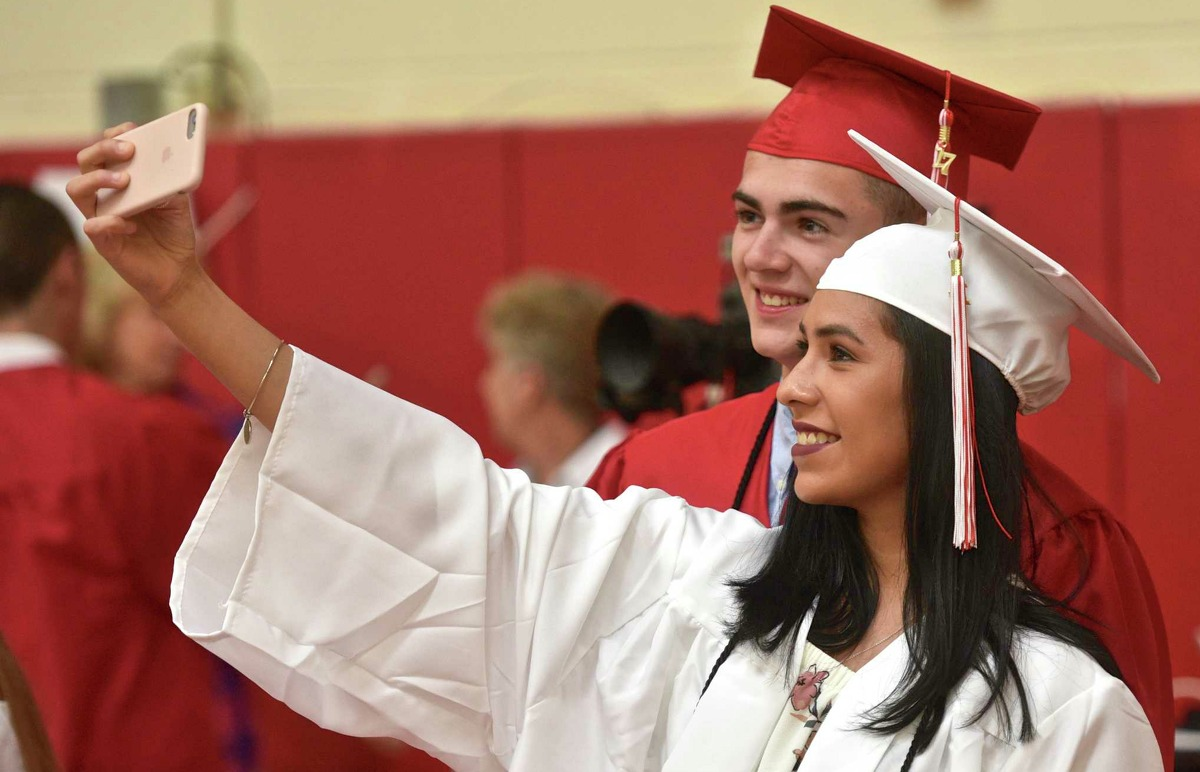 U.S. News & World Report ranked the 2018 Best Public High Schools in New York. The top 287 schools are ranked in order, followed by unranked, nationally recognized schools in alphabetical order, then unranked schools in alphabetical order.