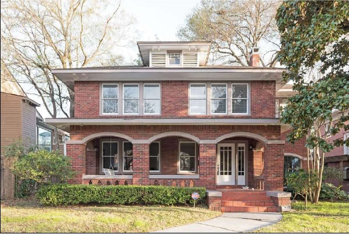 Prairie style American Foursquare home on Albans Road