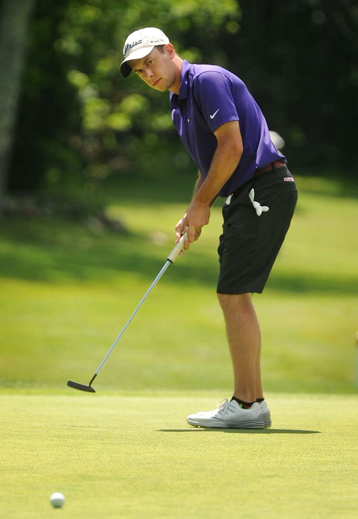 Richard Dowling, of Shelton, putts on the 9th green during semifinals match play at the 115th Connecticut Amateur Golf Tournament at Tashua Knolls Golf Course in Trumbull, Conn. on Wednesday, June 21, 2017.