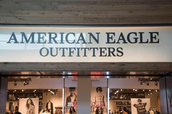 TORONTO, ONTARIO, CANADA - 2016/10/23: American Eagle Outfitters store front and entrance. American Eagle Outfitters is a U.S.-based clothing and accessories retailer. (Photo by Roberto Machado Noa/LightRocket via Getty Images)
