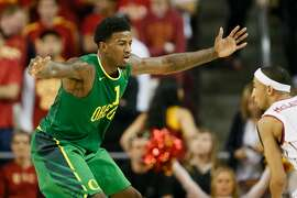 Oregon's Jordan Bell defends against Southern California during the first half of an NCAA college basketball game, Saturday, March 5, 2016, in Los Angeles. (AP Photo/Danny Moloshok)