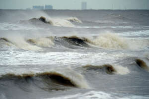 A larger than normal tide rolls into Bolivar Peninsula as Hurricane Cindy makes landfall on Thursday.  Photo taken Wednesday, June 21, 2017 Guiseppe Barranco/The Enterprise