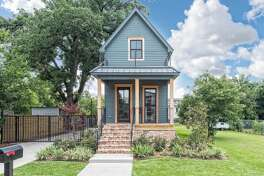 A house featured on 'Fixer Upper' in Waco, Texas is on the market for $950,000.  The two story, one bedroom house is popular on Airbnb, according to Realtor Jennifer Roberts.