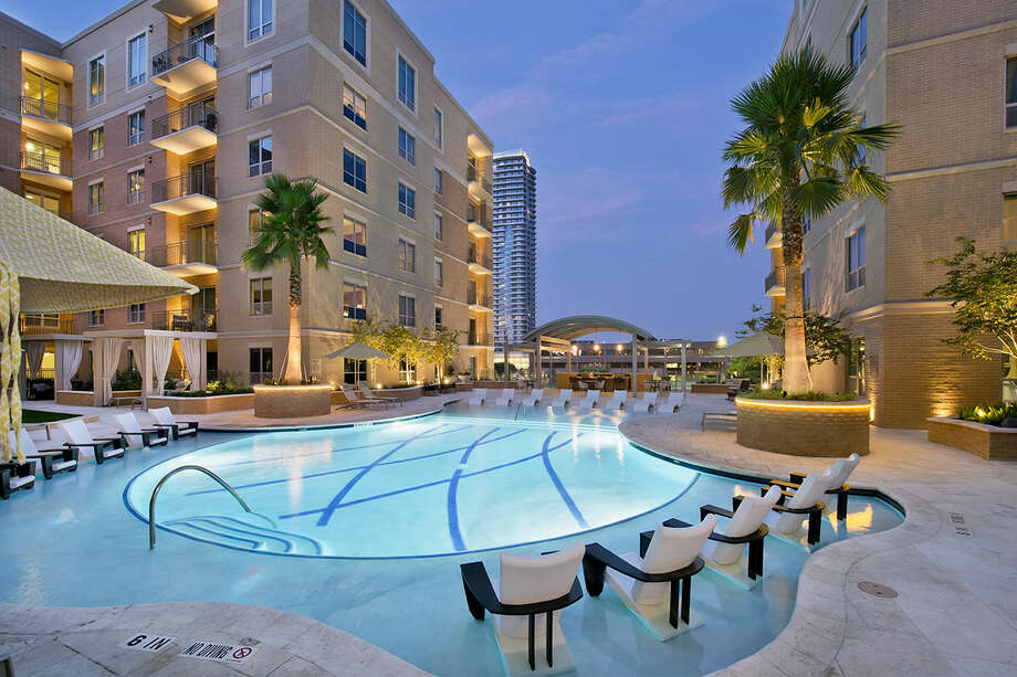 Houston area apartment rents rose 1.5 percent to an average of $1,088 in the first quarter. Keep going for rent and occupancy trends by submarket, starting with the regions where rents rose most on a percentage basis. Photo: Houston Apartment Association