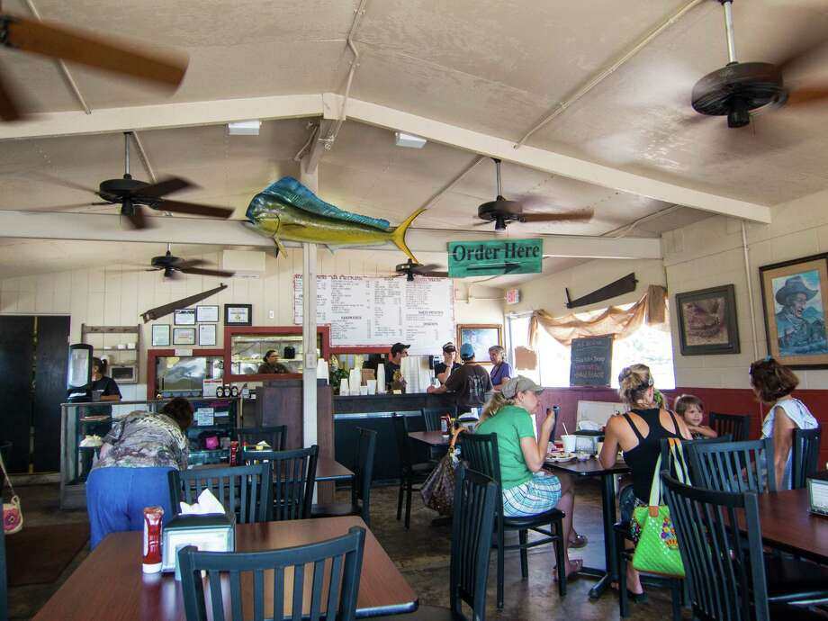 The order counter at Hinze's Bar-B-Q in Wharton Photo: J.C. Reid / ONLINE_YES