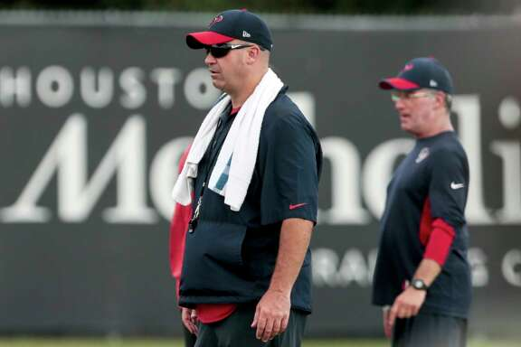 Houston Texans head coach Bill O'Brien watches his team stretch during mini camp at The Methodist Training Center on Tuesday, June 13, 2017, in Houston. ( Brett Coomer / Houston Chronicle )
