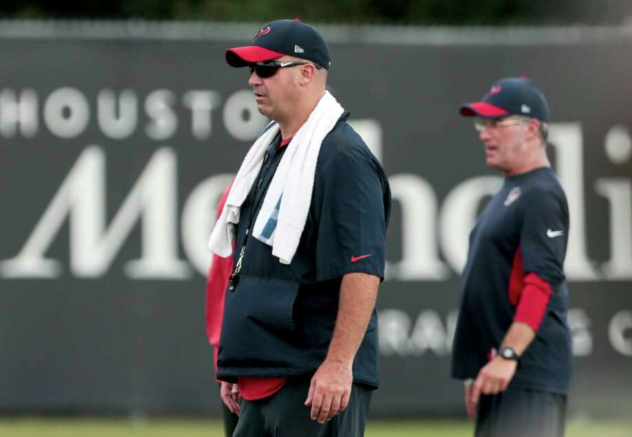 Houston Texans head coach Bill O'Brien watches his team stretch during mini camp at The Methodist Training Center on Tuesday, June 13, 2017, in Houston. ( Brett Coomer / Houston Chronicle ) Photo: Brett Coomer, Staff / © 2017 Houston Chronicle