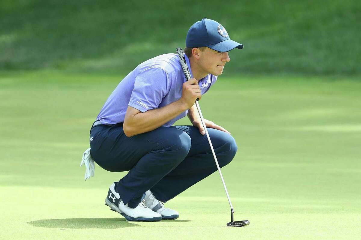 CROMWELL, CT - JUNE 23: Jordan Spieth of the United States lines up a putt on the 18th green during the second round of the Travelers Championship at TPC River Highlands on June 23, 2017 in Cromwell, Connecticut. (Photo by Maddie Meyer/Getty Images)
