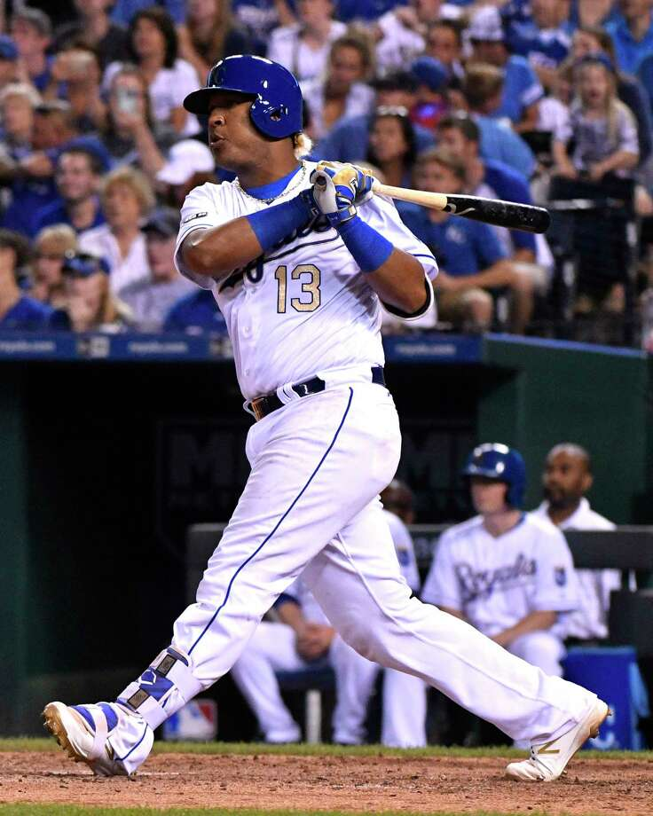 KANSAS CITY, MO -JUNE 23: Salvador Perez #13 of the Kansas City Royals hits a RBI single in the seventh inning against the Toronto Blue Jays at Kauffman Stadium on June 23, 2017 in Kansas City, Missouri. (Photo by Ed Zurga/Getty Images) ORG XMIT: 700011354 Photo: Ed Zurga / 2017 Getty Images