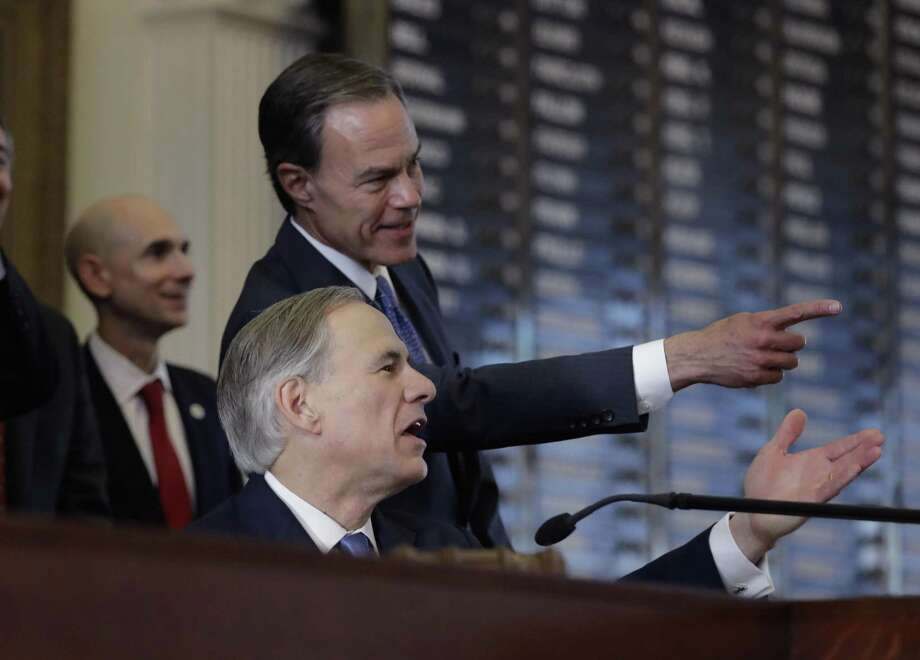 Texas Gov. Greg Abbott, front, and Texas Speaker of the House Joe Straus, R-San Antonio, take part in the opening of the 85th Texas Legislative session at the Texas State Capitol, Tuesday, Jan. 10, 2017, in Austin, Texas. (AP Photo/Eric Gay) Photo: Eric Gay, STF / AP / Stratford Booster Club
