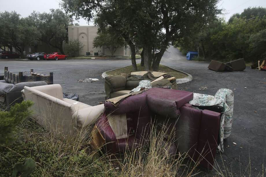 Take your trashed furniture to the landfill for free this weekend. Photo: John Davenport, Staff / San Antonio Express-News / ©San Antonio Express-News/John Davenport