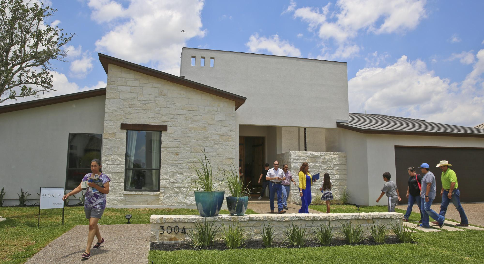 Property values sharply rising in Webb County, appraisal district says