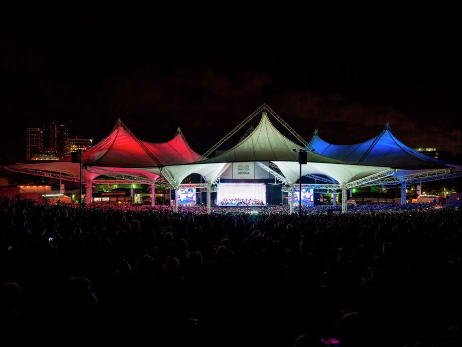 Kick off America's birthday celebration at Star-Spangled Salute as the Houston Symphony takes the Main Stage, Monday, July 3 at 8 p.m.  This free Independence Eve spectacular, which has been a tradition at The Pavilion for 27 years, features the Houston Symphony in a selection of patriotic favorites, presented by The Woodlands Development Company.