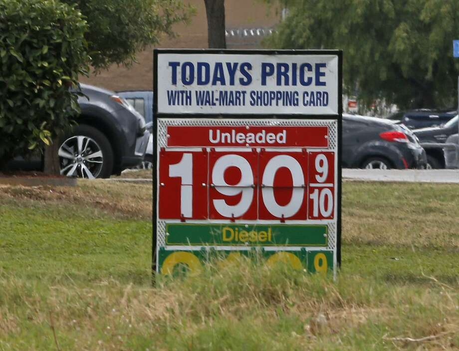 San Antonio Gas Prices >> San Antonio Gas Prices Fall Below 2 San Antonio Express News