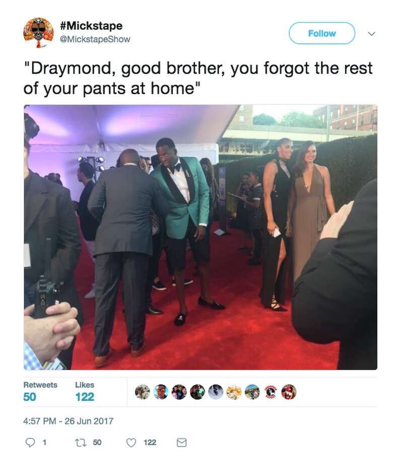 Twitter reacts to Draymond Green's outfit at the NBA Awards. Photo: Screenshot Via Twitter