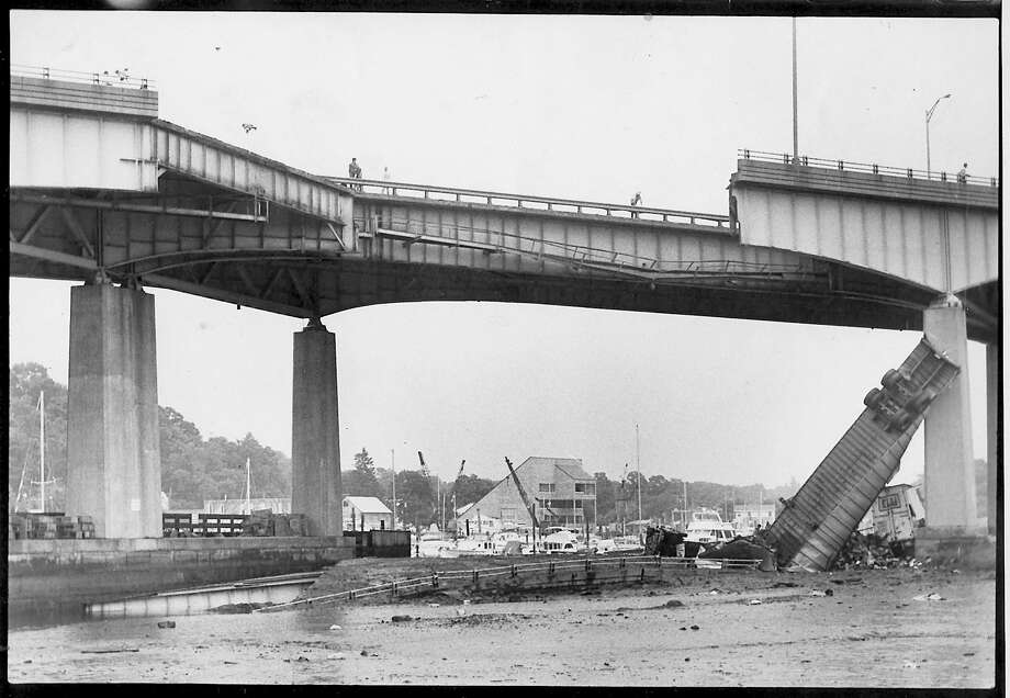 Mianus River Bridge Collapse - July 17, 1983 - Photo/Marilyn A. Hogarty b/w Photo: File Photos