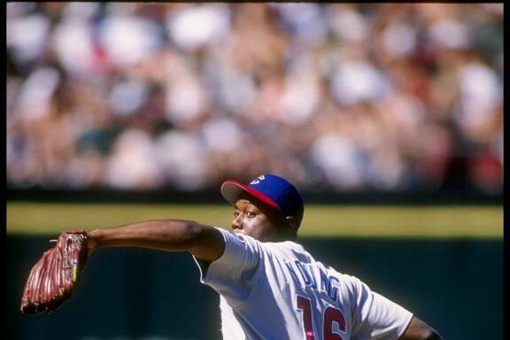 13 Aug 1995:  Pitcher Anthony Young of the Chicago Cubs throws a pitch during a game against the San Francisco Giants at Candlestick Park in San Francisco, California.  The Giants won the game 6-3. Mandatory Credit: Otto Greule  /Allsport