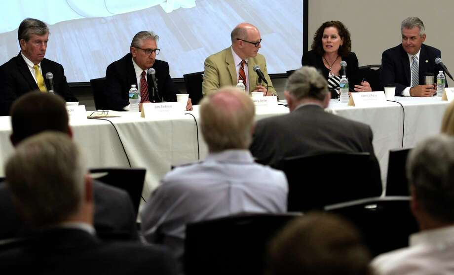 The Times Union?s Casey Seiler, center, moderates a post session summery of the 2017 session with senators Neil Breslin, left, James Tedisco and asssemblymembers Patricia Fahy and Steve McLaughlin, right, on Tuesday, June 26, 2017, at the Hearst Media Center in Colonie, N.Y.  (Skip Dickstein/Times Union) Photo: SKIP DICKSTEIN / 20040899A