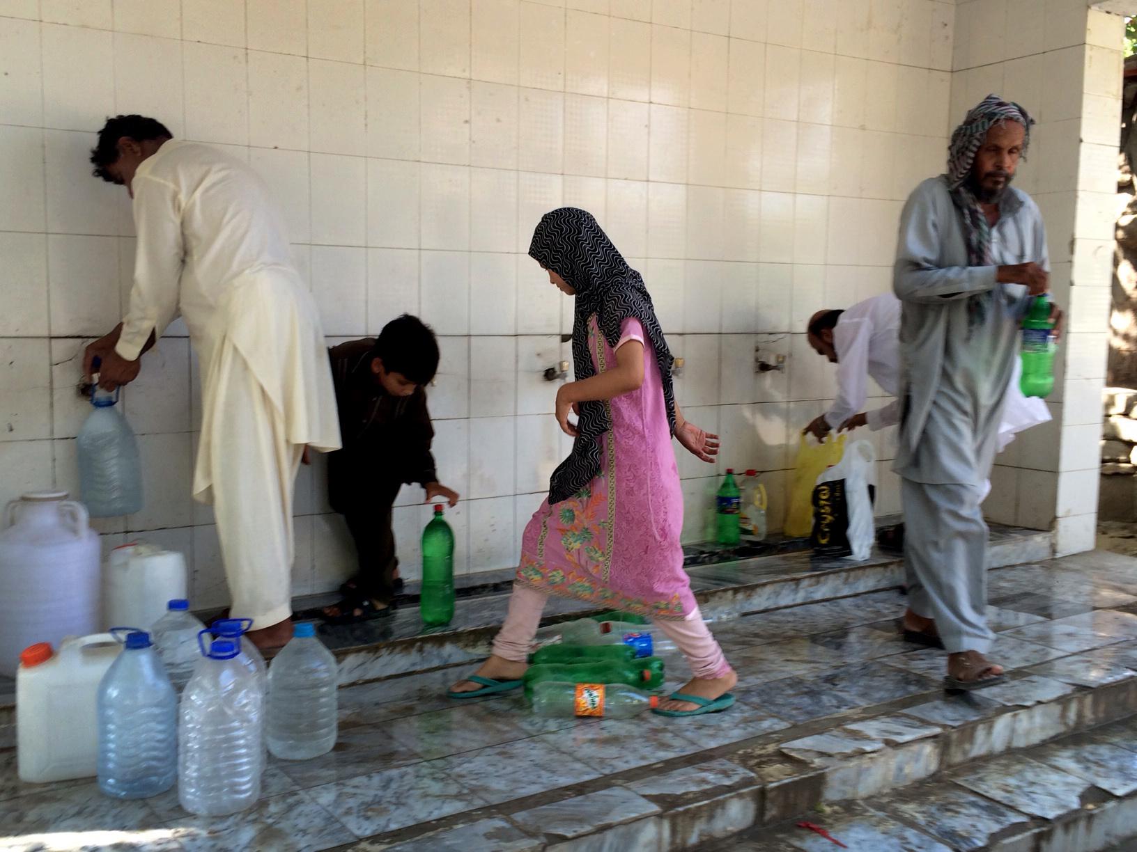 In Pakistan, scorching Ramadan month highlights chronic ...