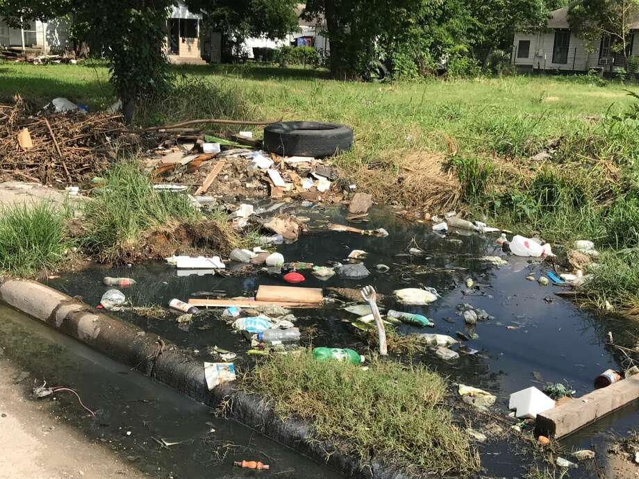 In Fifth Ward and Kashmere Gardens, the illegally dumped trash comes back quick. Photo: Ann Samuels