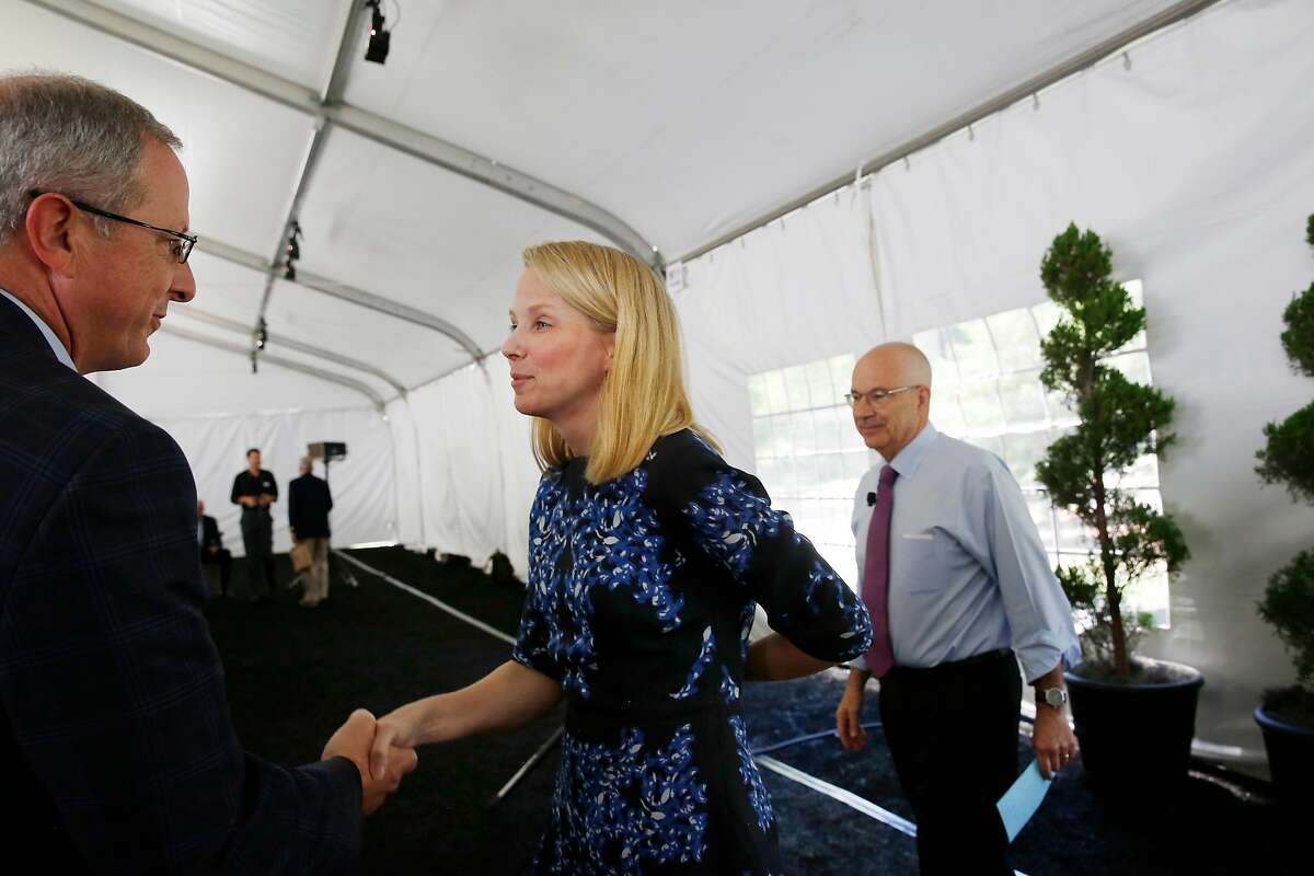 Former Yahoo CEO Marissa Mayer (center) greets guests after speaking at Director's College luncheon and keynote on Tuesday, June 27, 2017 in Stanford, Calif.