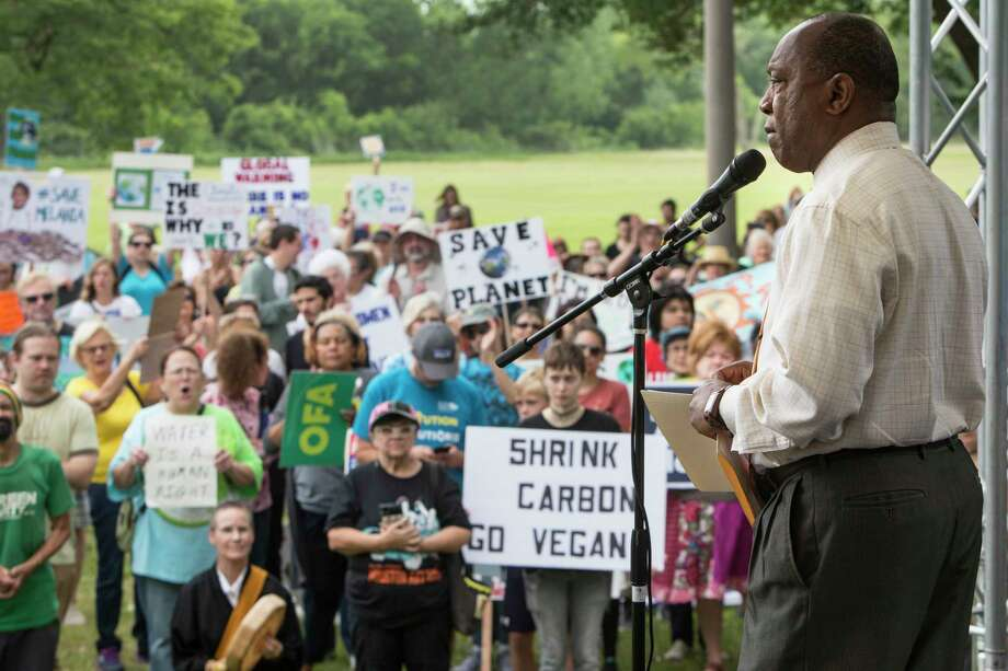 Mayor Sylvester Turner speaks to demonstrators during the Houston Climate March rally at Clinton Park on Saturday, April 29, 2017, in Houston. ( Brett Coomer / Houston Chronicle ) Photo: Brett Coomer, Staff / © 2017 Houston Chronicle